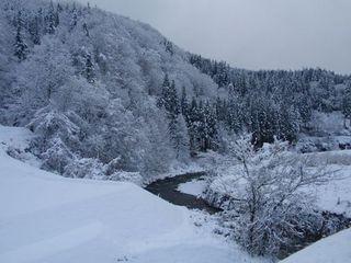 大江雪景色.jpg